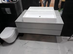 szafka łazienkowa